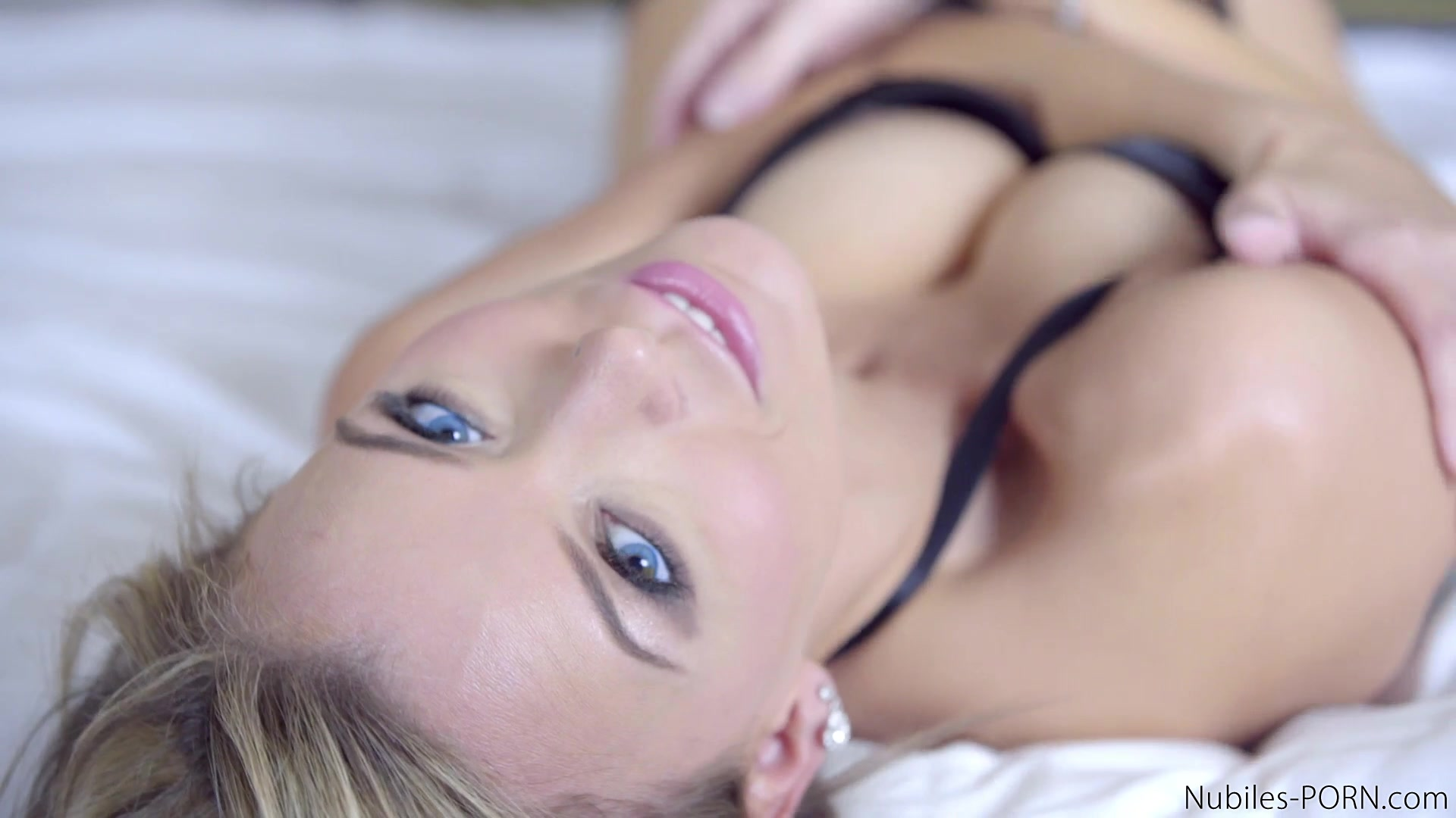 what ultimate girlfriend experience