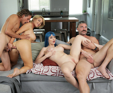 daddy-gives-gold-stars-s1e7