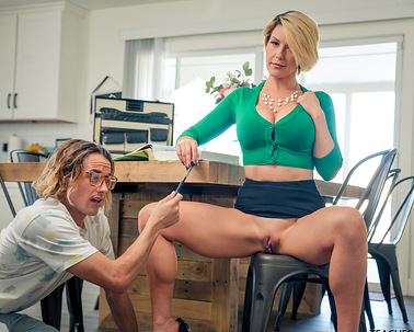 i-can-see-teachers-naughty-bits-in-class-s4e8