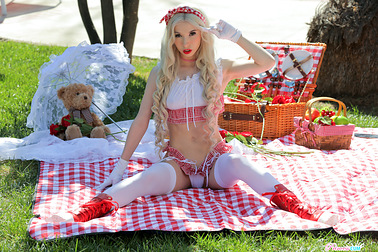 june-2021-flavor-of-the-month-kenzie-reeves-s1e10