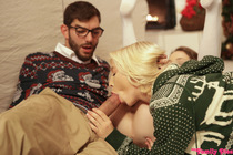 christmas_family_sex_125.jpg