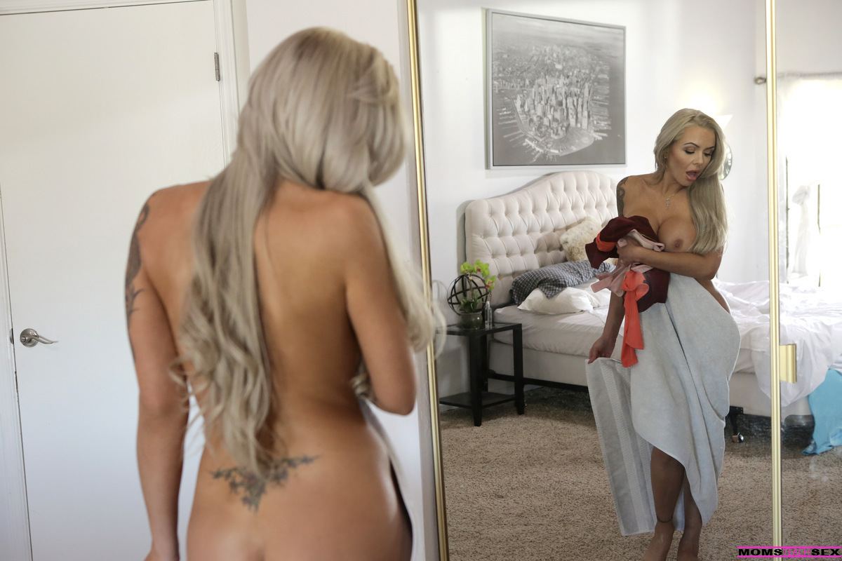 Husband watches courtney simpson fuck - 3 part 7