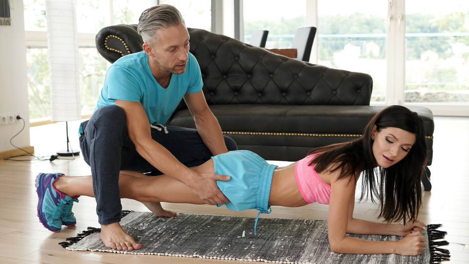 Sexual Fitness - S17:E7 - PetiteHDPorn.com