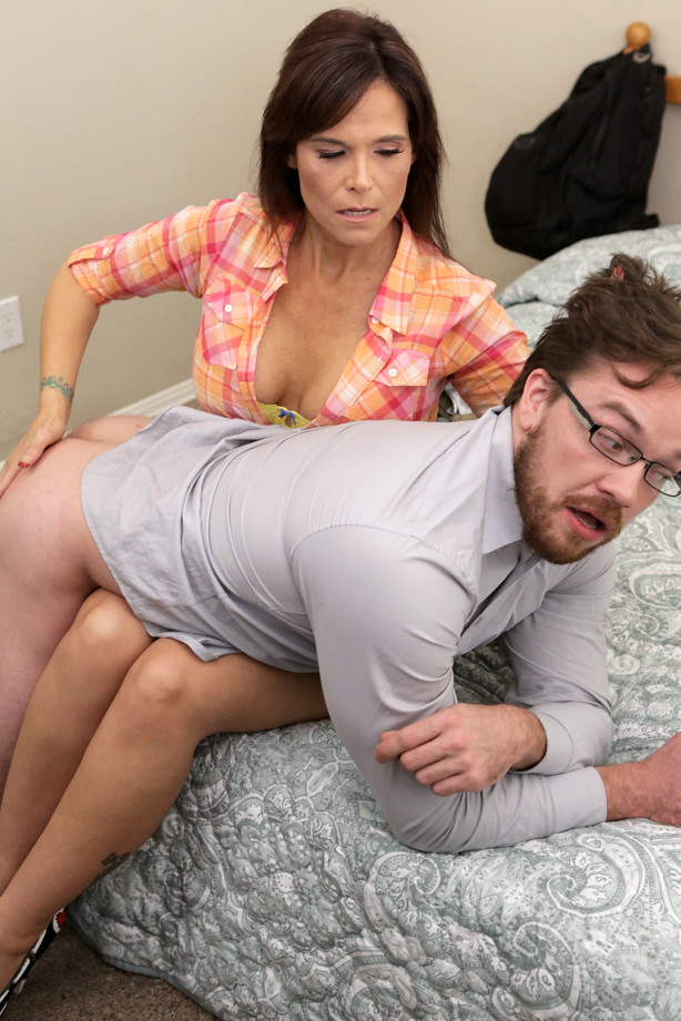 Spanked By My Stepmom - S8:E10