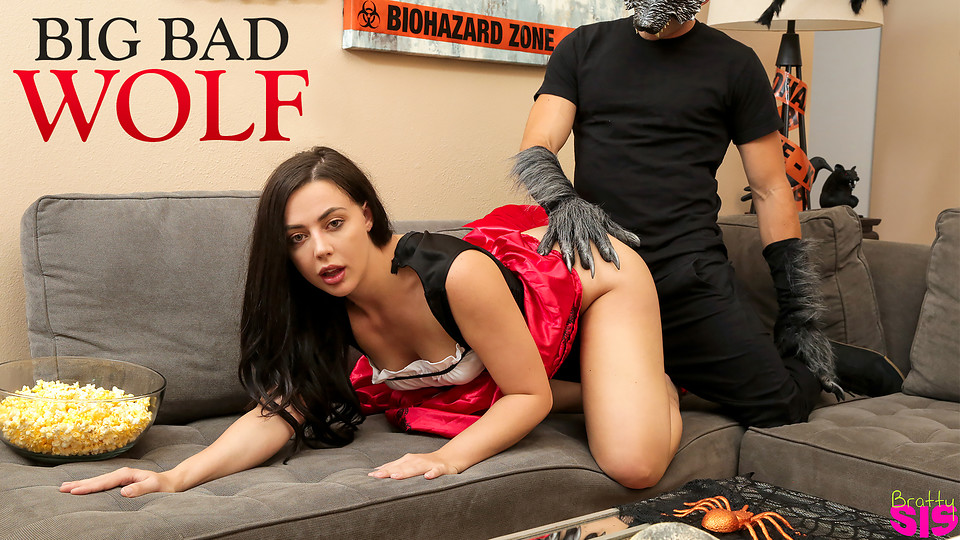 Step Brother Porn – Halloween Trick or Treat