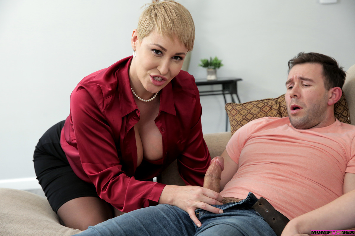 MomsTeachSex.com - Lilly Bell,Ryan Keely: What A Man Wants - S15:E1